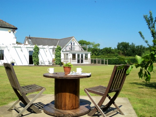 Big Sky Cottages self catering dog friendly accommodation, Norfolk