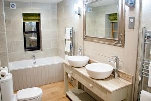 Briarfields bathroom