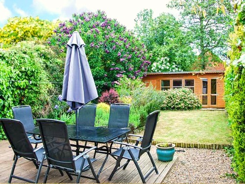 The decking and garden at Kingsley Cottage, Hickling