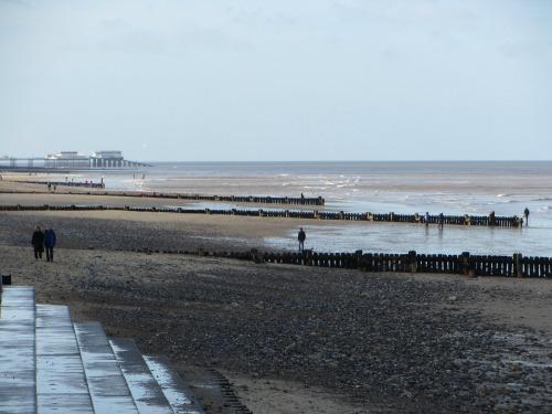 Overstrand towards Cromer Pier