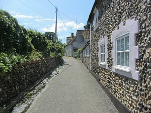 Flint stone cottages in Dereham
