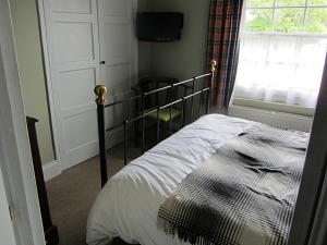 A dog friendly bedroom at The Dabbling Duck