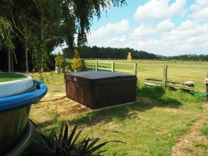 The Hot Tub outside The Woodland Boat