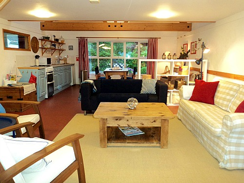 Open plan living at Big Sky Cottages