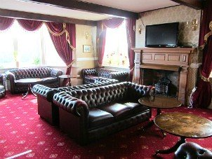The Lounge at the Manor Hotel, Mundesely